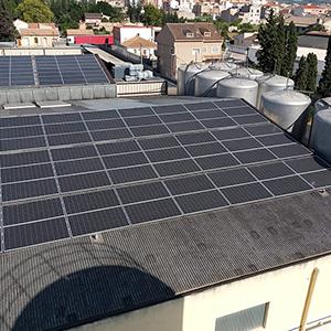 Placas fotovoltaicas de JRSABATER en proceso